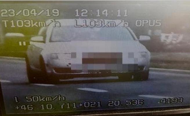 """O tânără a """"ZBURAT"""" cu maşina prin Arad! Poliţia a oprit-o pe un bulevard intens circulat"""