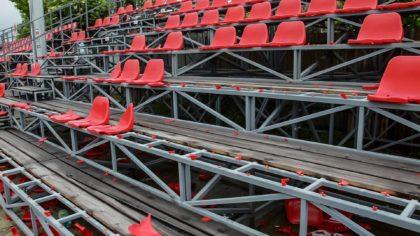 """Stadionul Motorul, DISTRUS în urma """"derby-ului vestului"""". O fi de vină și """"calitatea"""" scaunelor? (FOTO)"""
