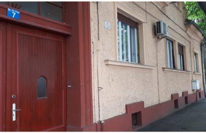 O PUŞCĂ şi RĂMĂŞIŢE UMANE, descoperite într-un imobil din centrul Aradului (FOTO)