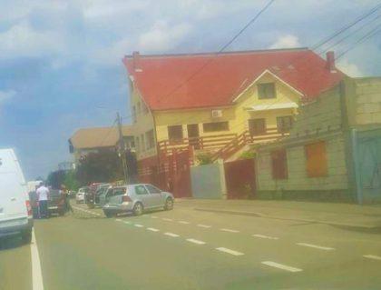 ACCIDENT pe o stradă principală din oraș! Traficul este îngreunat