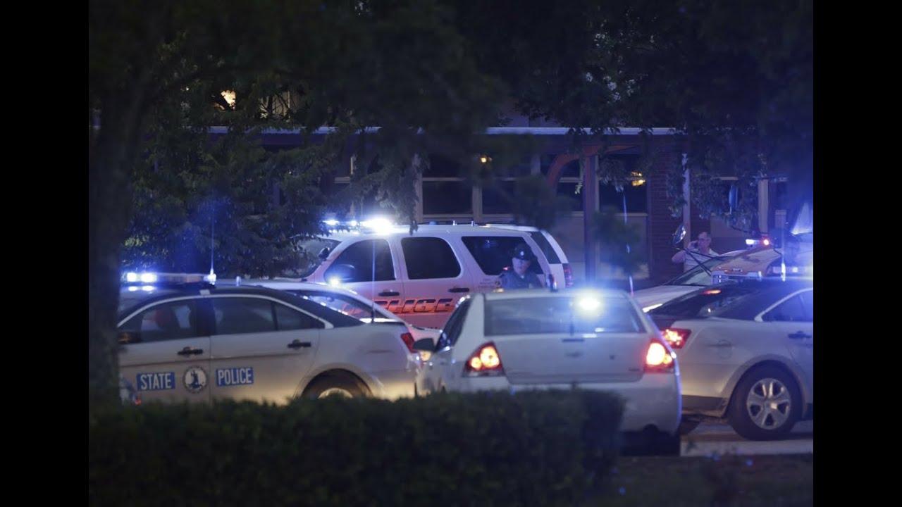 Atac ARMAT în SUA: 12 persoane UCISE şi şase RĂNITE (VIDEO)