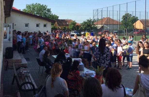 Premii pentru elevii merituoși din Șofronea