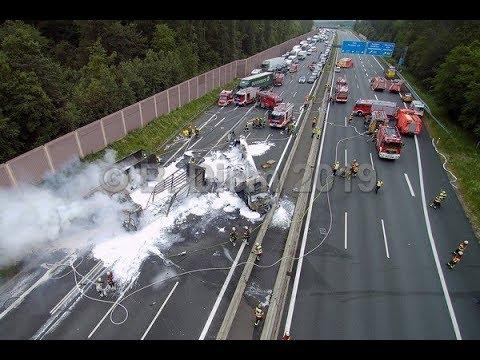 Un român a provocat un adevărat DEZASTRU pe o autostradă din Germania (VIDEO)! Șase RĂNIȚI și pagube de SUTE DE MII de EURO