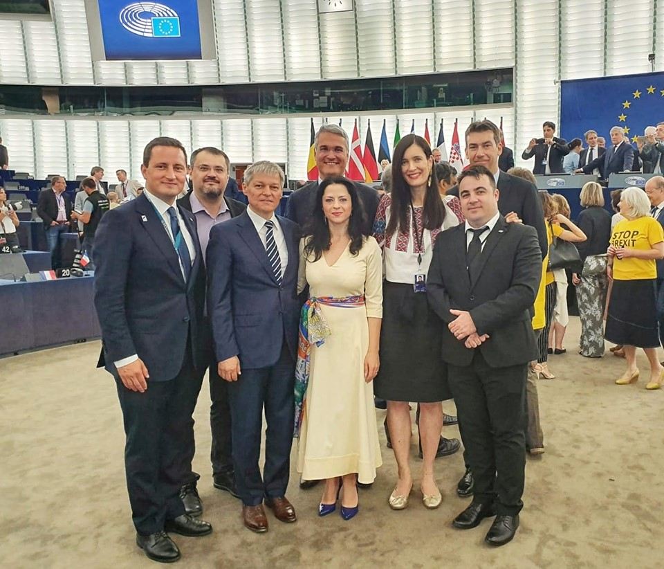 Europarlamentarul Vlad Botoș, desemnat ca membru în delegații pentru Albania și Muntenegru