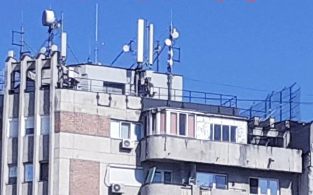 ATENTAT la viața noastră: Unul din trei blocuri va avea antene 5G