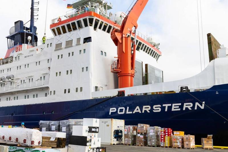 Cea mai mare expediție arctică internațională, pe nava germană Polarstern, a luat startul și va dura un an, analizând efectele încălzirii globale și ale turismului de croazieră agresiv