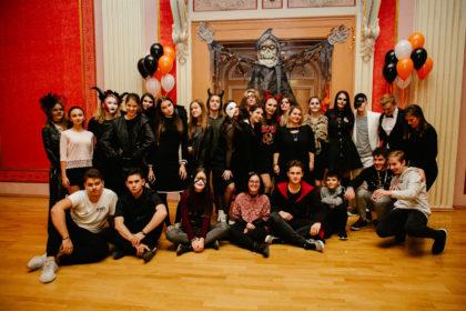 Costume şi distracție de Halloween pentru elevii de la Moise Nicoară