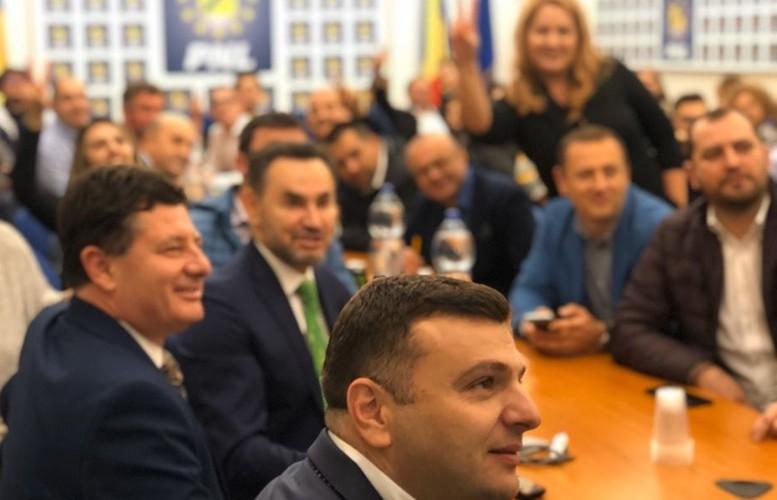 USL trăieşte la Arad! PNL a VALIDAT mai mulţi candidaţi de la PSD pentru alegerile locale