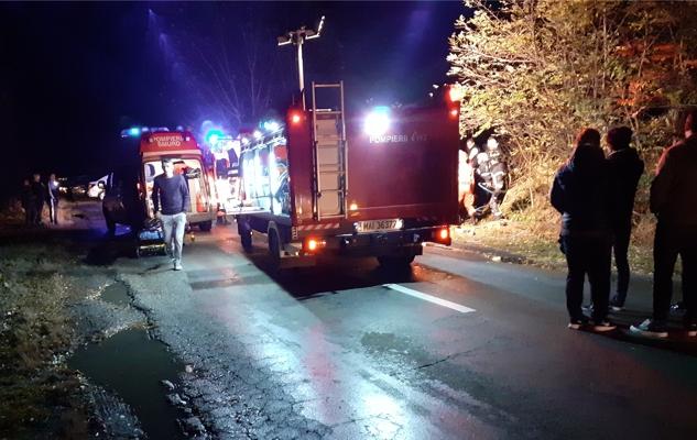 ACCIDENT cu DOUĂ MAŞINI şi mai multe VICTIME, pe drumul Arad – Şiria