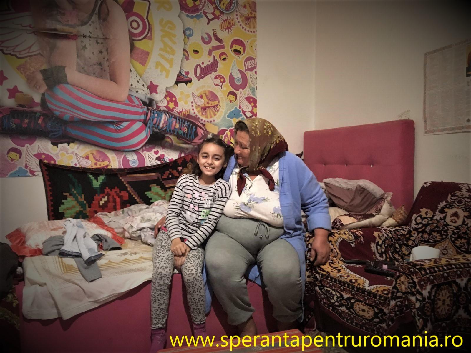 O familie din Arad are nevoie de ajutor! Bunica bolnavă își crește singură nepoțica de 9 ani