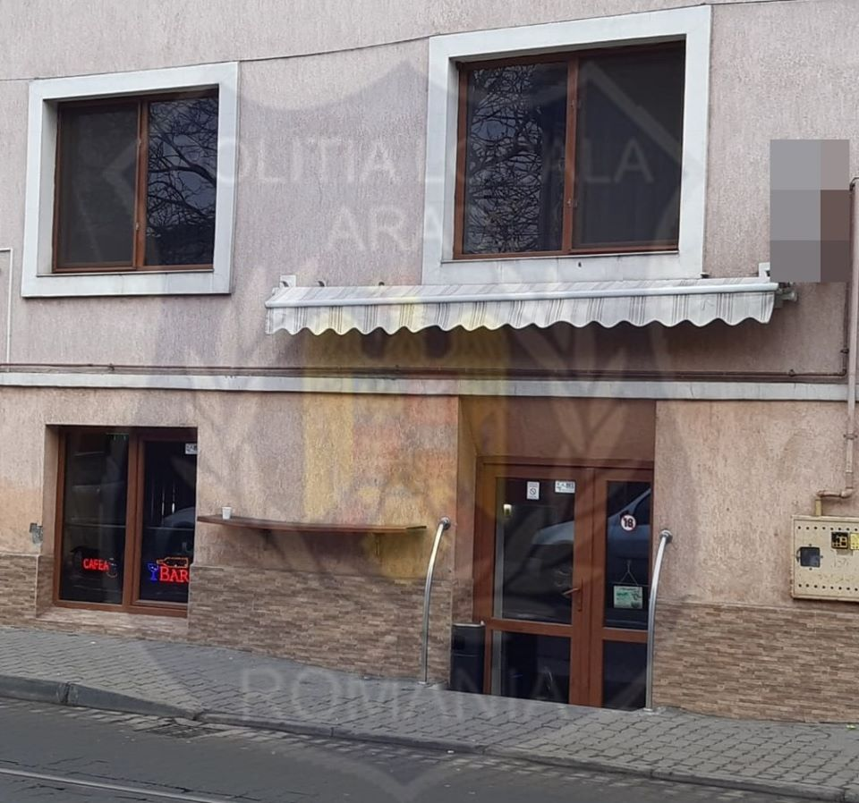 """Polițiștii arădeni """"AU PUS LACĂT"""" unui bar din municipiu"""