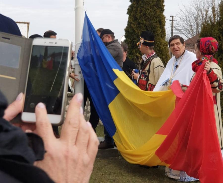 Catarg de 12 metri și un drapel național, donate Bisericii Ortodoxe din Livada (FOTO + VIDEO)