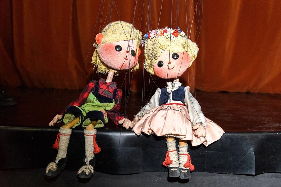 Vești bune pentru copii! Actorii Trupei Marionete spun povești live, pe facebook