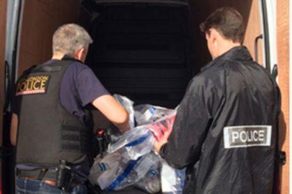 Zeci de MII de articole CONTRAFĂCUTE, de peste 185.000 EURO, depistate de polițiștii arădeni