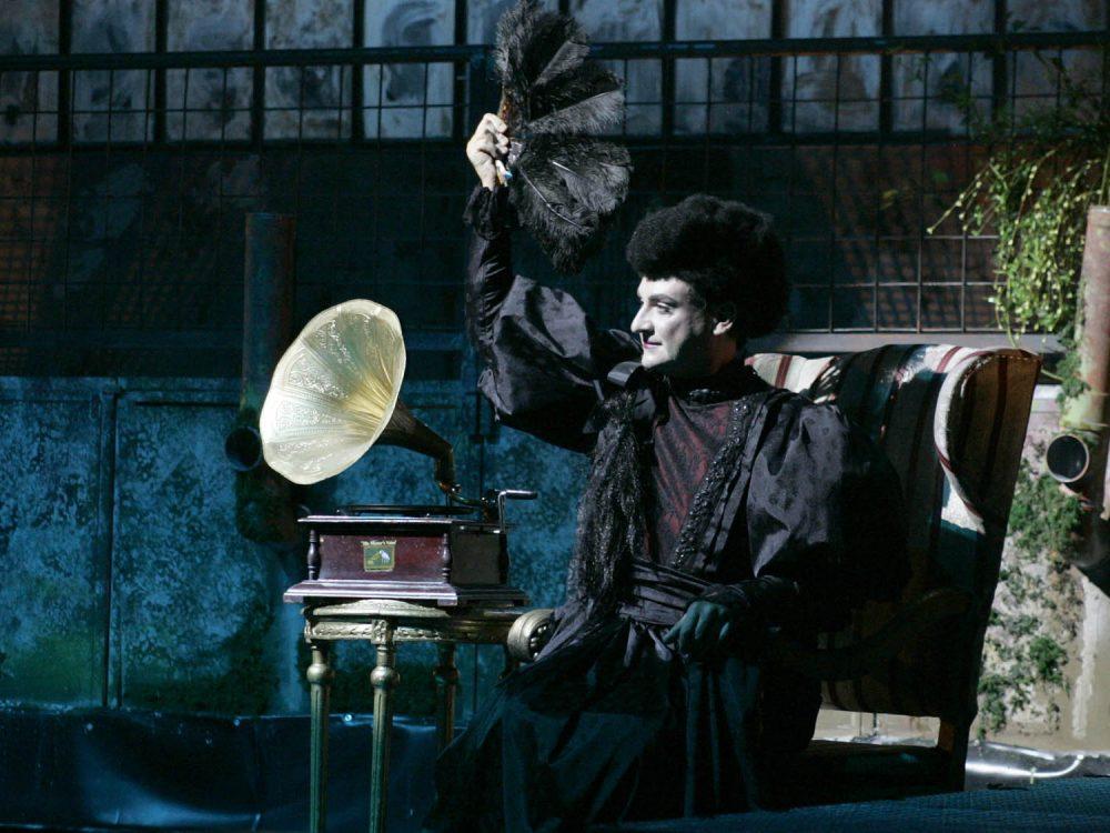 """Teatru în vremea coronavirusului: Spectacolul """"Casa Bernardei Alba"""", difuzat ONLINE de Ziua Internațională a Teatrului"""