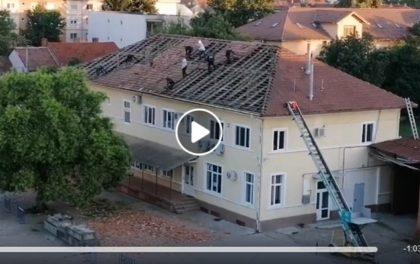 HALUCINANT: Ce s-a întâmplat, la 6 dimineața, pe acoperișul unei clădiri din Arad (VIDEO)