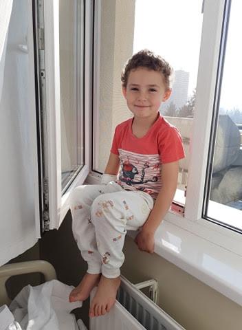 APEL UMANITAR: Un băiețel de 6 ani trebuie să fie operat URGENT pe creier!