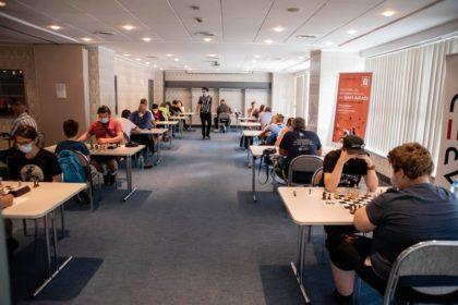 """""""BOMBĂ"""" la Arad Open 2020! Un jucător arădean de NUMAI 11 ani s-a REMARCAT la cel mai important turneu de șah din România (FOTO)"""