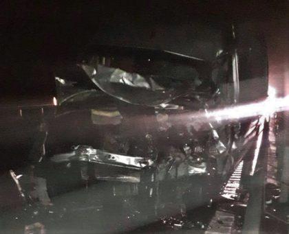 """ACCIDENT GRAV în județ! Mașină """"făcută PRAF"""", după ce s-a IZBIT de un microbuz"""
