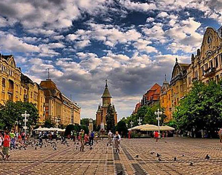 Timișoara, la un pas SĂ RATEZE statutul de Capitală Culturală Europeană. Oamenii de cultură locali, Dominic Fritz și Vlad Botoș au venit cu SOLUȚIA