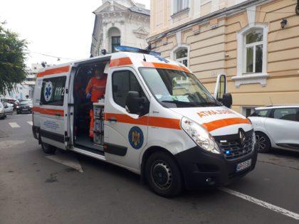 ACCIDENT în centrul Aradului. VICTIMA, preluată de AMBULANŢĂ (FOTO)