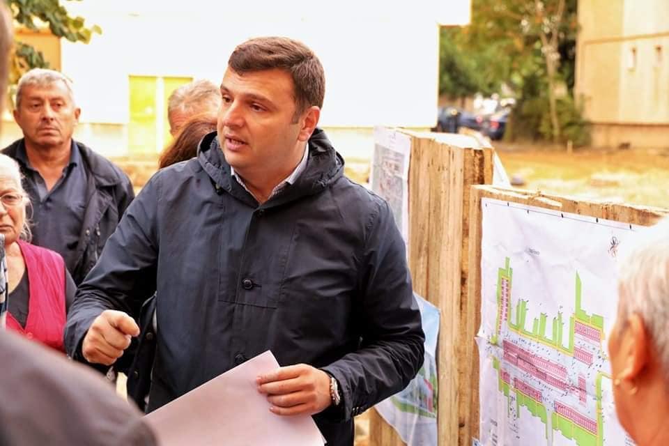 """Sergiu Bîlcea, antreprenorul devenit politician: """"Cea mai mare dorinţă a mea este să le construim copiilor noştri un viitor aici, acasă, la Arad"""""""