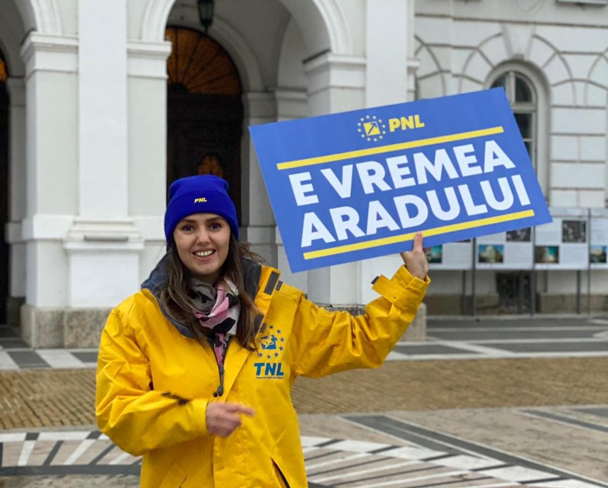 """Patricia Dinga, cel mai tânăr consilier arădean, merge în Parlament: """"Lucrurile trebuie să se simplifice, pentru a reuși să dezvoltăm România și să depășim nesfârșita perioadă de tranziție!"""""""