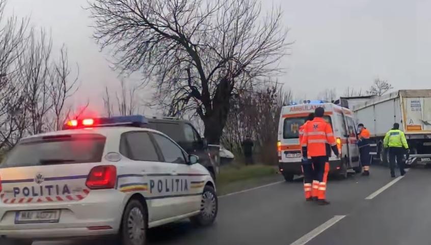 ACCIDENT pe drumul Arad – Timișoara! DOUĂ ambulanțe și POLIȚIA intervin la fața locului (FOTO)