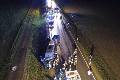 ACCIDENT GRAV cu un microbuz plin cu ROMÂNI. Se întorceau acasă