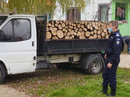 Jandarmi cu suflet mare: Ce au făcut doi angajați ai IJJ Arad pentru o mamă singură cu trei copii
