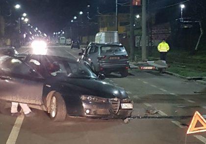 """ACCIDENT: Două mașini s-au FĂCUT """"ZOB"""" pe strada Pădurii"""