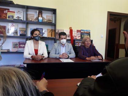 """Anul acesta Simpozionul Internaţional """"Cultura şi civilizaţia chineză. Dialoguri deschise româno – chineze"""" se mută la Pecica"""