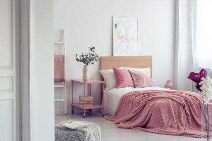 Cum să organizezi un dormitor primitor cu ajutorul accesoriilor
