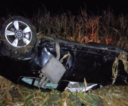 Accident mortal în județ. Șofer găsit decedat într-o mașină răsturnată într-un lan de porumb